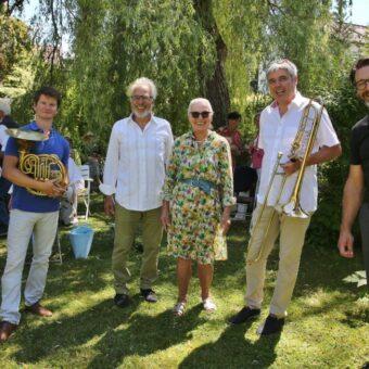 Im Garten lauschen statt in die Röhre gucken – ein Konzert