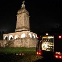Der Turm leuchtet