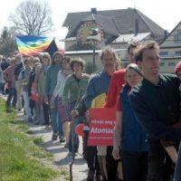 Protest in Berg  - die Menschenkette