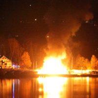 Starnberg: Bootshalle geht in Flammen auf