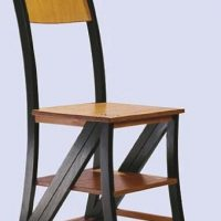 Die verrückteste Wahlkampfaktion: Ein Stuhl für jeden ... einen für Bergs erste Bürgermeisterin